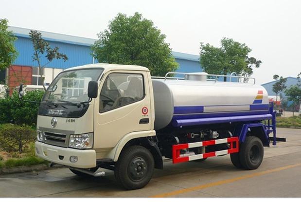 东风国五5吨洒水车