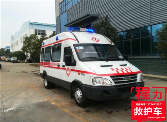 依维柯短轴型救护车